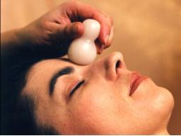 Webinar: Seelenschmeichler - kleine Massagen mit den Casa Vitale Massagesteinen