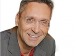Webinar: [Der Weg zum erfolgreichen Unternehmer] Stefan Merath im Live-Experteninterview mit Julia Brötz