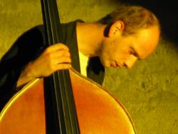 Webinar: Nie mehr schief Kontrabass spielen: Tipps und Tricks hier!