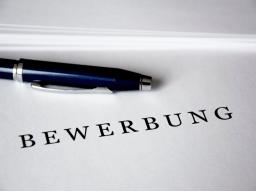 BeWERBUNG - M4 - Anschreiben, differenzierend in Inhalt und Layout