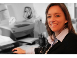 Webinar: Dr. Eva Maria Bäcker - Hilfe, mein Chef räumt mich auf!