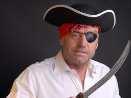 Webinar: Neue, freie Märkte erobern statt in alten, überfüllten zu kämpfen - der Marketing-Pirat öffnet seine Schatztruhe.